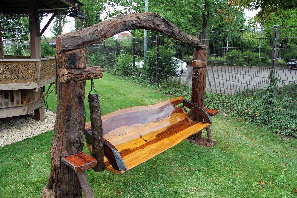 Hollywoodschaukel Holz Oder Alu ~   Holzschaukel wird zum absoluten Blickfangin jedem Garten oder Zuhause
