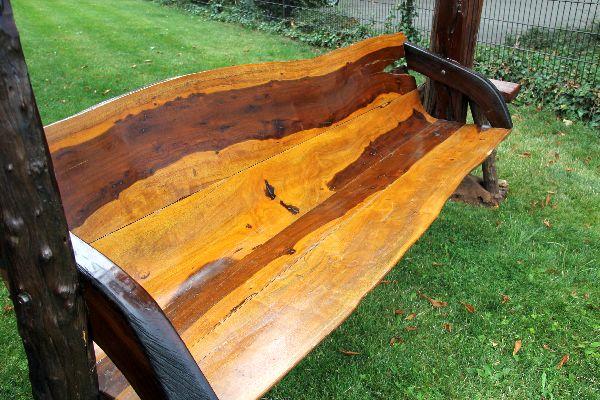 Hollywoodschaukel Holz Massiv ~ Die viersitzige Massivholz Schaukel hat eine Sitzfläche von187 cmx 47