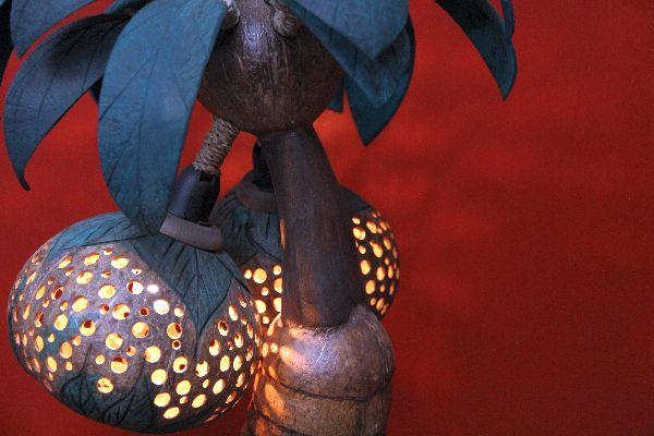 kokosnusslampe tischlampe lampe kokosnuss palme thailand. Black Bedroom Furniture Sets. Home Design Ideas