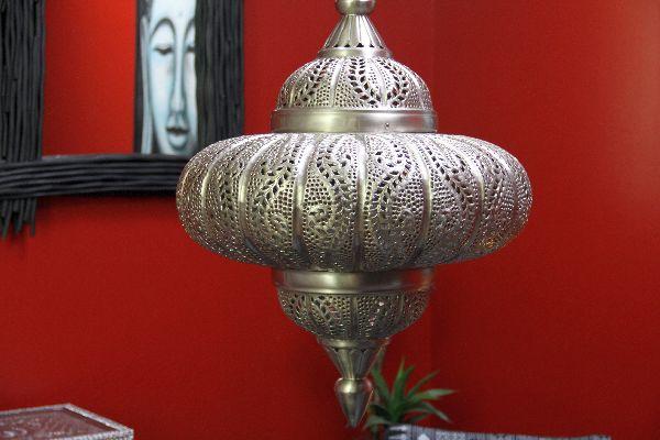 indische h ngeleuchte mit ornamenten metall. Black Bedroom Furniture Sets. Home Design Ideas