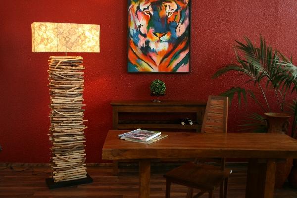 stehlampe designer lampe holz natur wei gebleicht landhausstil. Black Bedroom Furniture Sets. Home Design Ideas
