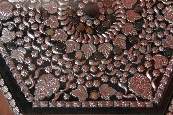 Indische teetisch im orientalischen stil