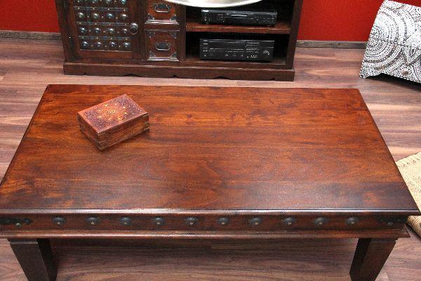 couchtisch kolonialstil indien orient wohnzimmertisch massivholz. Black Bedroom Furniture Sets. Home Design Ideas