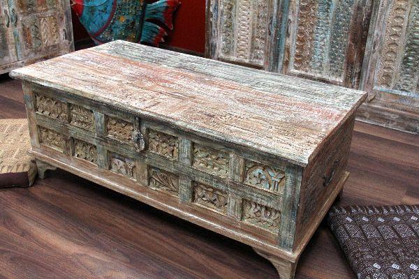 Couchtisch Truhentisch Holz Kolonial Loric ~ Da dieser indische Truhentischaufgrund der Farbgebung und der Kälkung