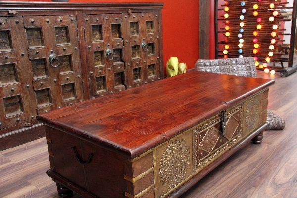 Couchtisch Truhentisch Holz Kolonial Loric ~ Die 3 hochwertigenScharniergelenke mit Dämpfung ermöglichen es Ihnen