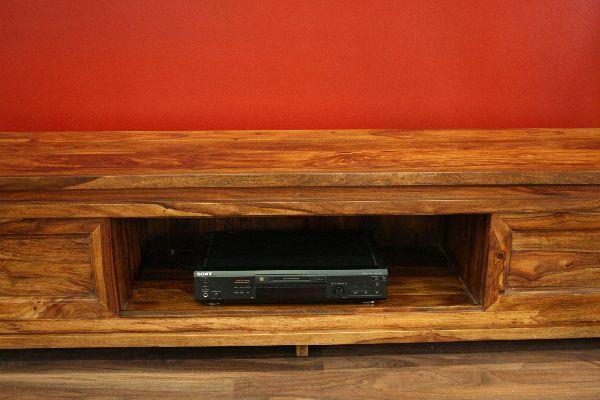 hifi rack holz hifi furniture design for a chic and modern atmosphere sideboard tv hifi. Black Bedroom Furniture Sets. Home Design Ideas