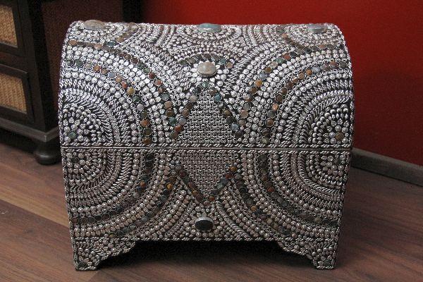 Gro e indische truhe im orientalischen stil design 3 for Indische truhe
