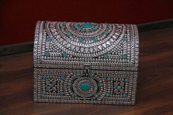 Indische truhe im orientalischen stil design 4 for Indische truhen