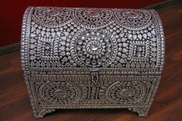 Gro e indische truhe im orientalischen stil design 6 for Indische truhe