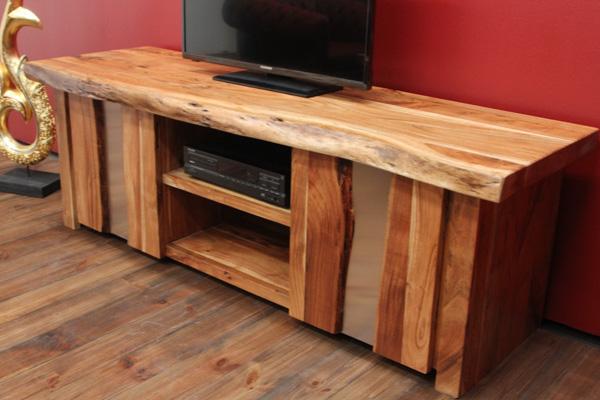 massivholz tv sideboard im ausgefallenen landhausstil aus suar. Black Bedroom Furniture Sets. Home Design Ideas