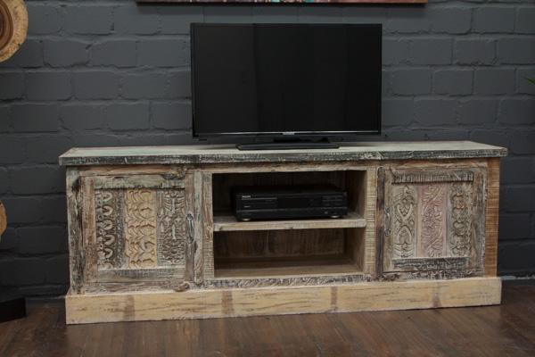 designer tv sideboard aus massivholz im vintage. Black Bedroom Furniture Sets. Home Design Ideas