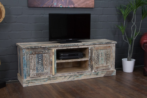 designer tv sideboard aus massivholz im landhausstil. Black Bedroom Furniture Sets. Home Design Ideas