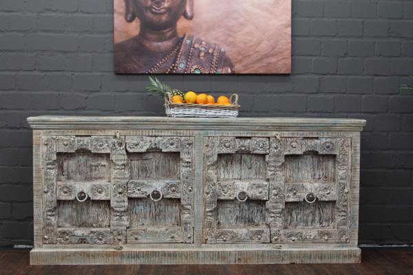 indisches massivholz sideboard im kolonialen landhausstil. Black Bedroom Furniture Sets. Home Design Ideas