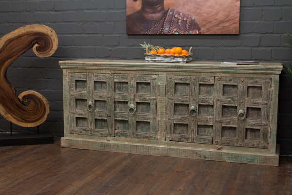 Schweres massivholz sideboard im kolonialen landhausstil for Indische sideboards