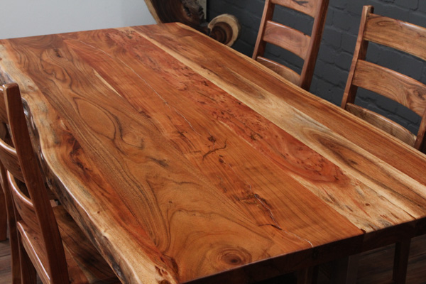 Massivholz Esstisch Mit Edelstahlbeinen : Suar Massivholz Esstisch mit Baumkanten und Edelstahlbeinen Nr15870