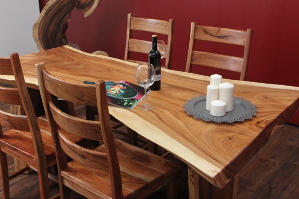 baumscheiben esstisch aus suar massivholz. Black Bedroom Furniture Sets. Home Design Ideas
