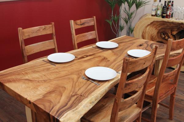 edler baumscheiben esstisch aus suar massivholz. Black Bedroom Furniture Sets. Home Design Ideas