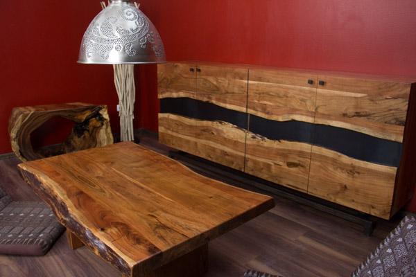 designer highboard im modernen landhausstil aus suar holz. Black Bedroom Furniture Sets. Home Design Ideas