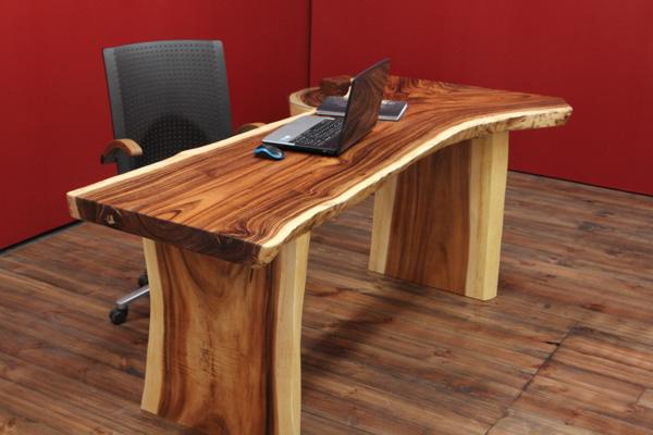 Schreibtisch holz massiv baumstamm suar 200x96x79 natur for Schreibtisch holz natur