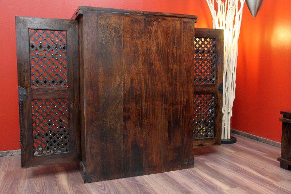 weinbar walnuss massivholz gl nzend kolonialstil. Black Bedroom Furniture Sets. Home Design Ideas