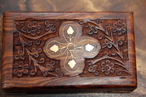 Holzschatulle schmuckschatulle holz truhe box kiste kasten for Indische truhe