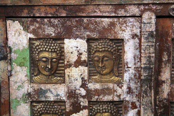schrank kolonial antik buddha kommode holz indien 103x77x40. Black Bedroom Furniture Sets. Home Design Ideas
