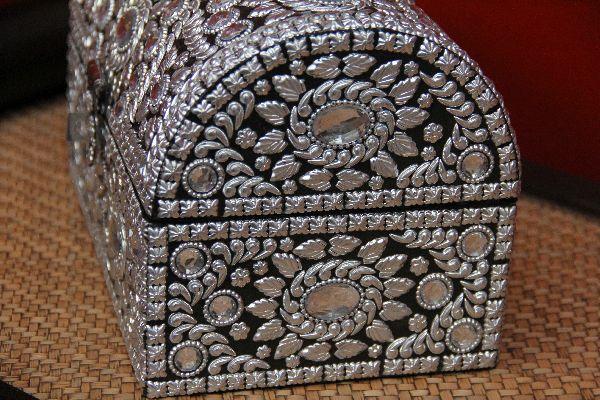 Indische schmucktruhe im orientalischen stil design 6 for Indische truhen