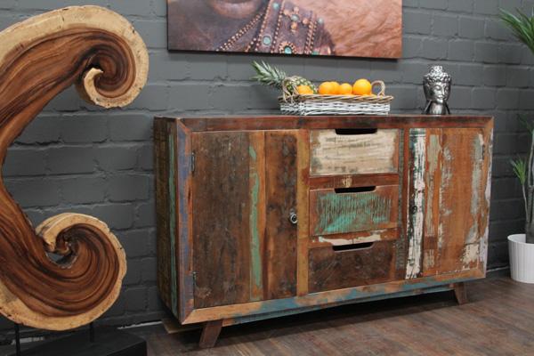 gro e massivholz kommode im modernen vintage stil. Black Bedroom Furniture Sets. Home Design Ideas