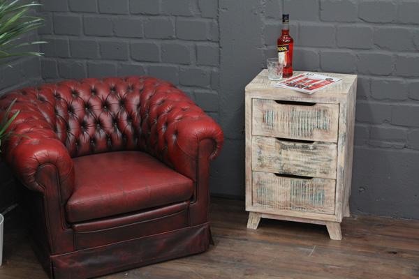 gek lkte massivholz kommode im wei en vintage landhaus stil. Black Bedroom Furniture Sets. Home Design Ideas