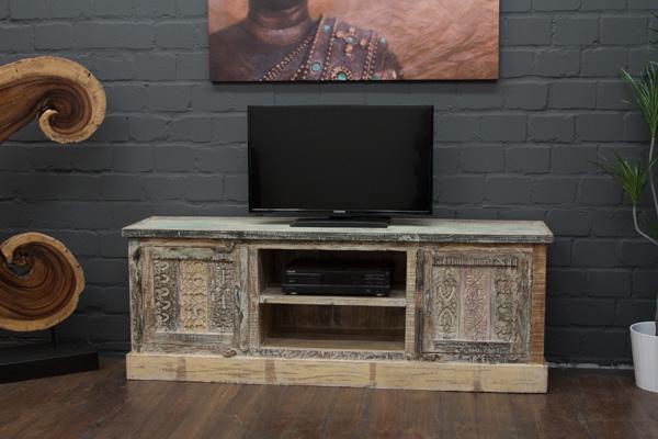 designer tv sideboard aus massivholz im vintage landhausstil. Black Bedroom Furniture Sets. Home Design Ideas