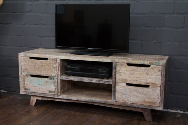 wei es tv sideboard aus gek lktem massivholz im. Black Bedroom Furniture Sets. Home Design Ideas