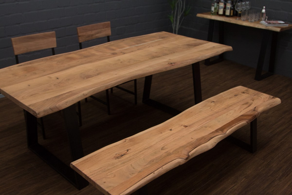 Esstisch Sitzbank Aus Massivholz Planken Mit Metallbeinen. Nr.16772