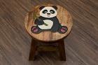 Kinderhocker aus Massivholz mit Panda Motiv. Nr.16904