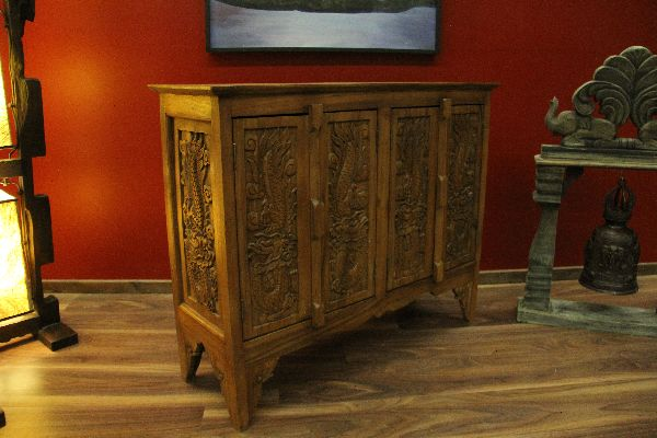 kommode schrank holz schnitzereien drachen massiv anrichte sideboard t ren neu ebay. Black Bedroom Furniture Sets. Home Design Ideas