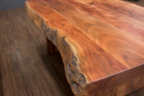 Couchtisch massivholz baumstamm suar 120x77x46 for Wohnzimmertisch baumscheibe