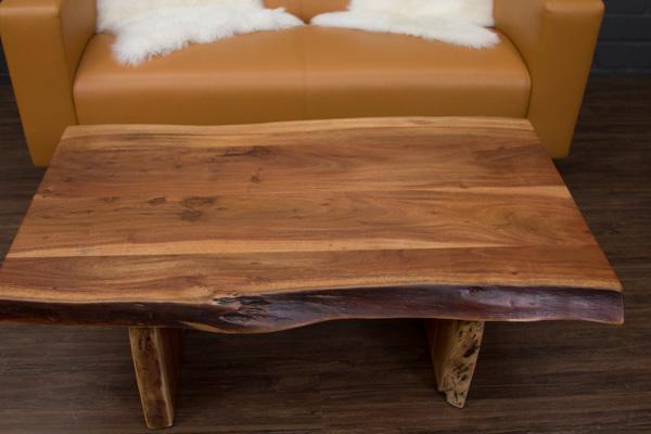 Couchtisch massivholz baumstamm suar 120x70x46 wohnzimmertisch planken kanten ebay for Wohnzimmertisch baumstamm