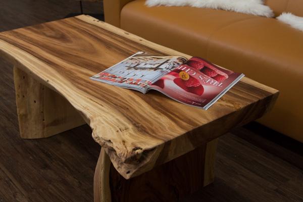 couchtisch baumstamm massivholz suar 120x60x45 wohnzimmertisch baumscheibe dick ebay. Black Bedroom Furniture Sets. Home Design Ideas