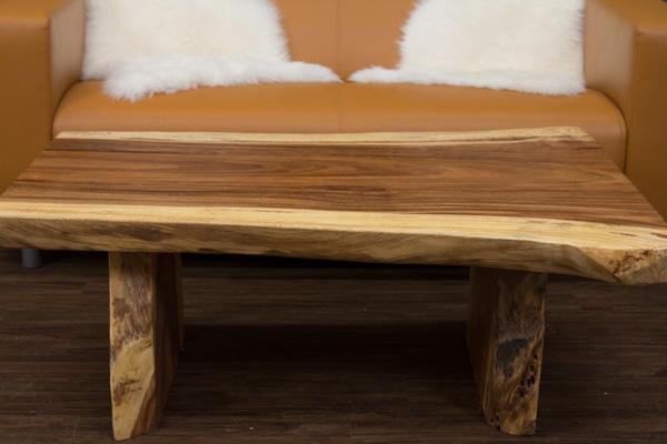 Couchtisch baumstamm massivholz suar 117x84x45 for Wohnzimmertisch baumscheibe
