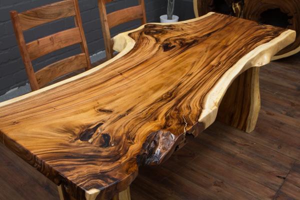 extravaganter baumstamm esstisch aus suar massivholz. Black Bedroom Furniture Sets. Home Design Ideas