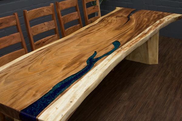 edler baumstamm esstisch mit kunstharz f llungen und. Black Bedroom Furniture Sets. Home Design Ideas