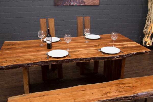esstisch massivholz baumstamm planken 213x101x77 tisch suar holzbeine baumkanten ebay. Black Bedroom Furniture Sets. Home Design Ideas