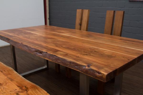 esstisch baumstamm planken metallbeine matt 213x103x76. Black Bedroom Furniture Sets. Home Design Ideas