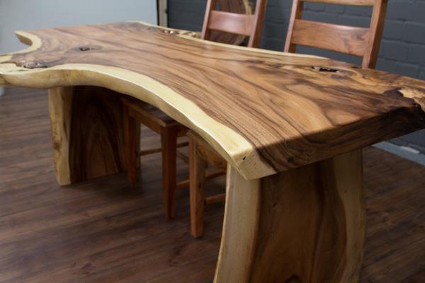Massivholz schreibtisch aus einer suar baumscheibe for Schreibtisch aus echtholz